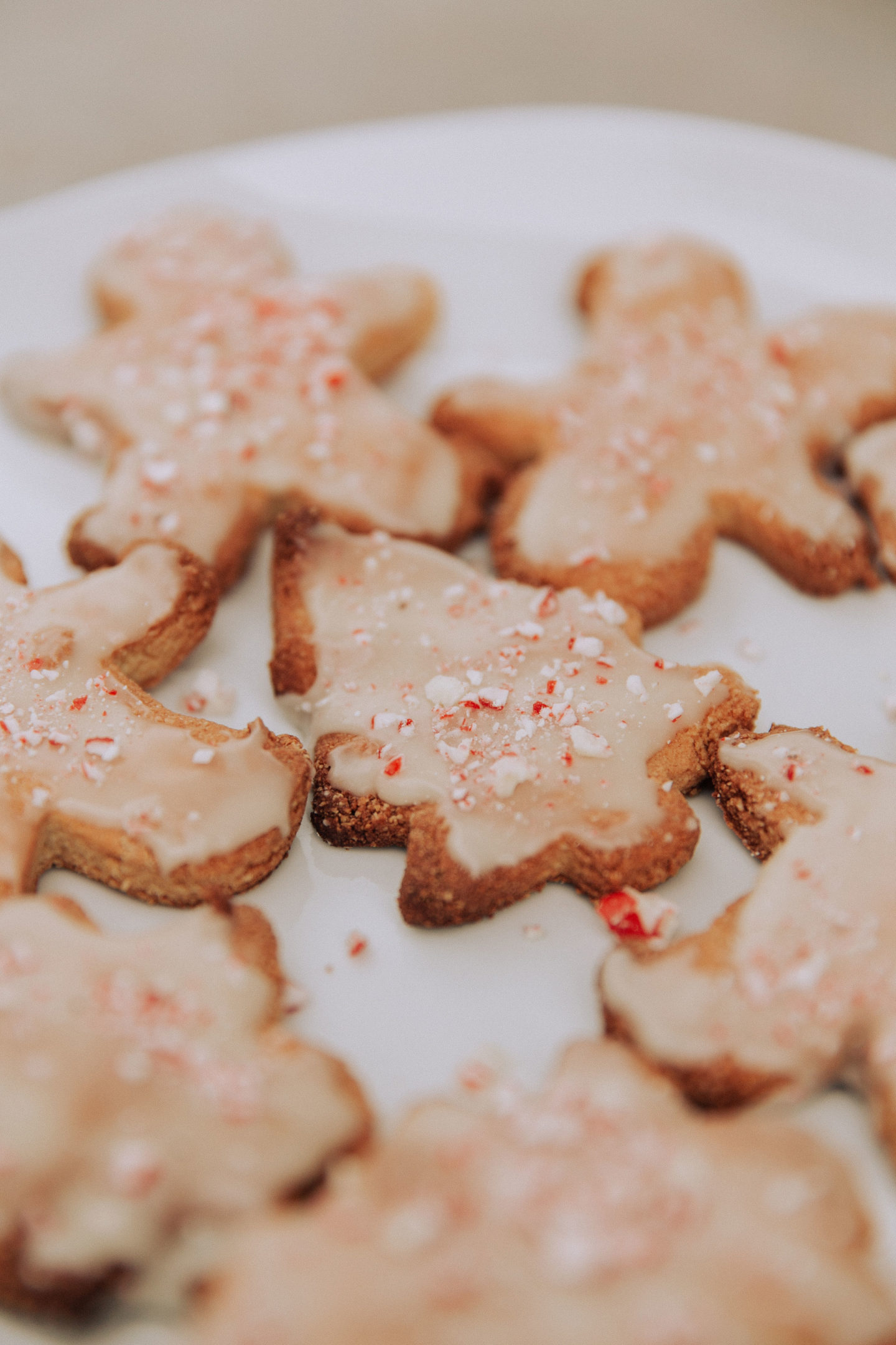 Call Me Lore_Easy Dairy-Free and Gluten-Free Christmas Sugar Cookie Recipe